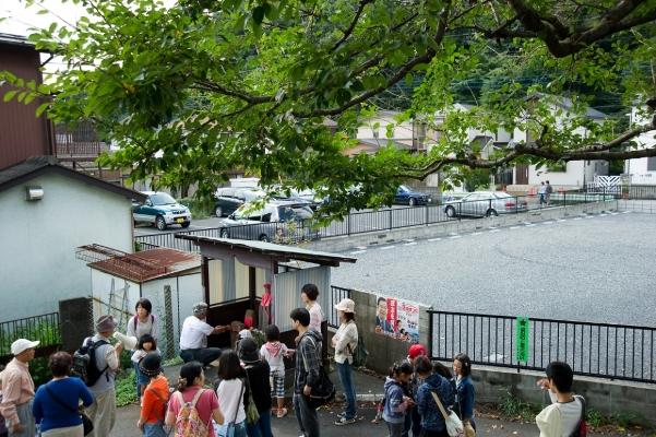 子ども日野宿発見隊-仲井の地蔵堂 2010-10-02