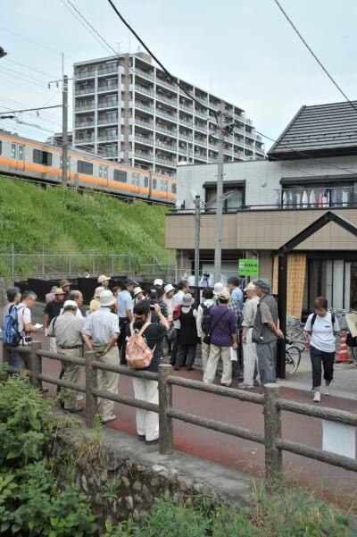 日野駅東側、安西宅前