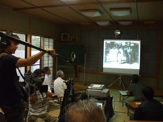 6月8日、金子橋地区センターで開催された「日野の用水を語る会」:NHKの取材もありました。